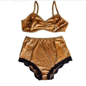 Gold and black 2 piece lingerie set